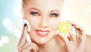 Hautstraffung mit Zitronenöl